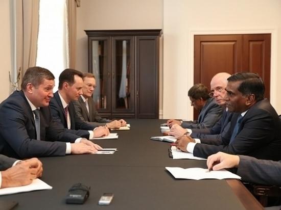 Бочаров обсудил реализацию экопроектов с собственниками волжского предприятия