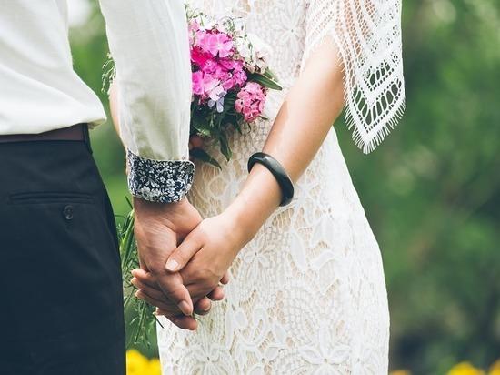 Где браки зимуют: Росстат выяснил, какие регионы лидируют по свадьбам