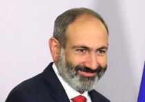 Пашинян отчитался перед толпой за сто дней во главе правительства