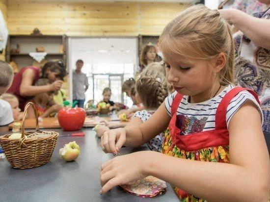 Символ Яблочного Спаса сшили волгоградцы в музее