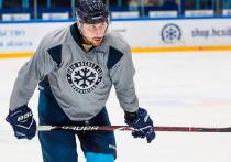 Хоккеисту Мнацяну, заболевшему раком, шлют сообщения со всех площадок мира
