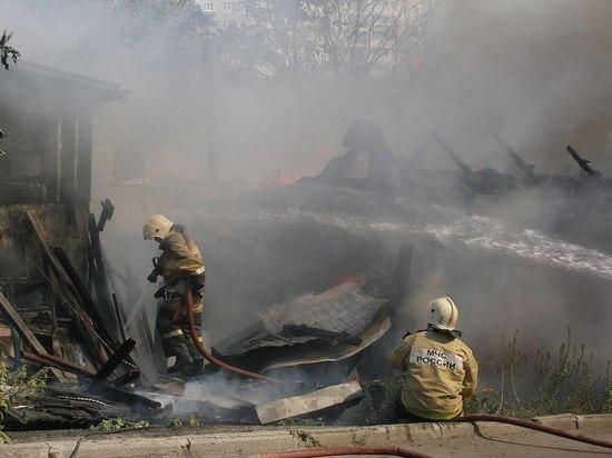 За пожар на Театральном спуске в Ростове ответят три должностных лица