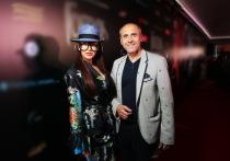 На прошедшей в Москве светской тусовке стала ясна тайна долгого отсутствия на светских мероприятиях актриса Кати Кабак, которая раньше украшала своими глазами почти каждую премьеру