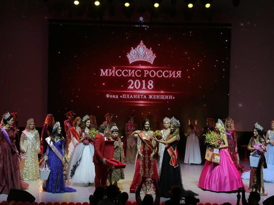«Миссис Россия – 2018» надела корону, изготовленную в Семенове