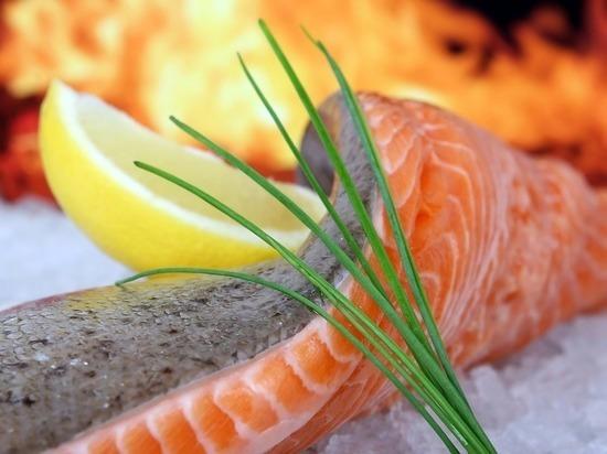 В России начала дешеветь красная рыба