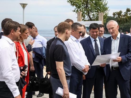 Трутнев проинспектировал ход подготовки к ВЭФ