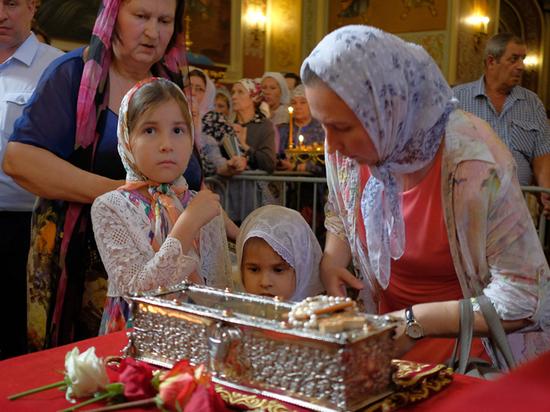 Привезенные в Россию мощи святого Спиридона помогут вернуть работу