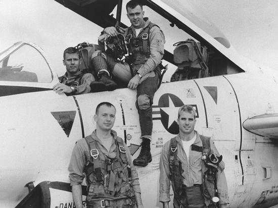 Жизнь и война Маккейна: ветеран Вьетнама рассказал об умершем политике