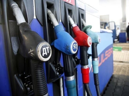 Козак: правительство удержит рост цен на бензин в районе инфляции