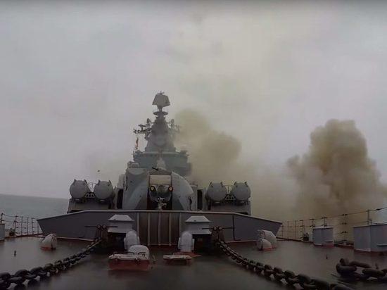 Впечатляющие кадры: Корабли ВМФРФ нанесли удар крылатыми ракетами