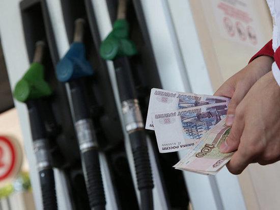С 1 января бензин на ярославских заправках опять подорожает