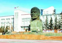 На площади Советов (преимущественно в ее муниципальной части) случилась паника: чиновники администрации Улан-Удэ пытаются выяснить, кто купил «Улан-Удэ Энерго»
