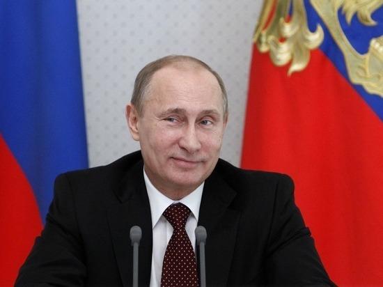 Самолет Путина приземлился в Омске