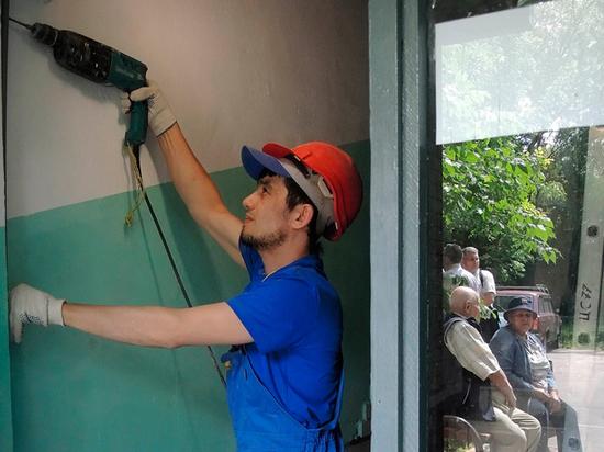 В руководстве РФ посоветовали взимать сжильцов служебных квартир плату закапремонт