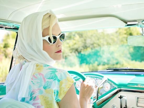 Женщины объявлены лучшими водителями, чем мужчины