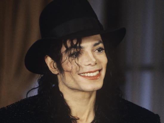 """Как Майкл Джексон заставил мир ходить """"лунной походкой"""": поп-Королю 60"""