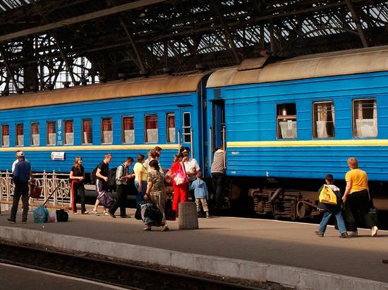 ВКиеве порекомендовали украинцам перевезти родственников из РФ