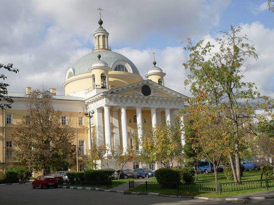 Московские хирурги спасли жертву нападения с помощью «соломинки»