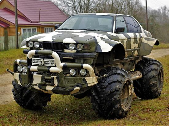 BMW на российский лад: под Калугой собрали вездеход для местного бездорожья