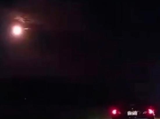 «Небо обрушилось наЗемлю». ВАвстралии засняли падающий метеорит