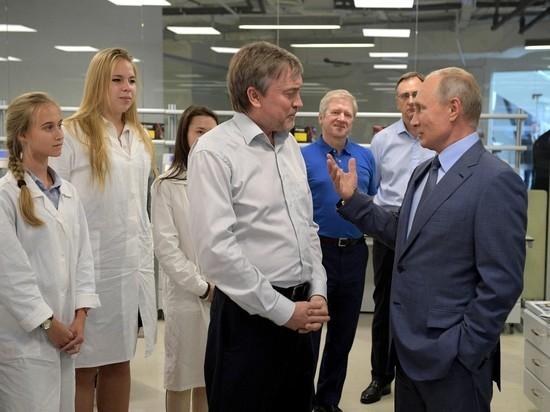 Путин поведал, что ему помогает вести переговоры
