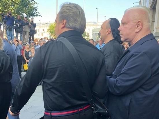 Борису Моисееву стало плохо на похоронах Иосифа Кобзона