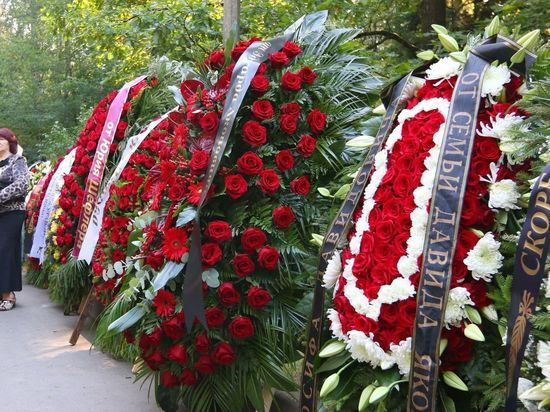На похоронах Кобзона некоторые не удержались от самопиара