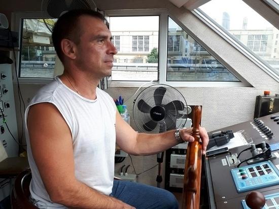 Фирмы-конкуренты используют незаконные методы для привлечения клиентов, а капитаны выходят на маршрут пьяными