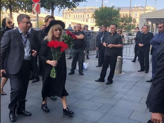 Пугачева, Галкин и Орбакайте пришли проститься с Кобзоном