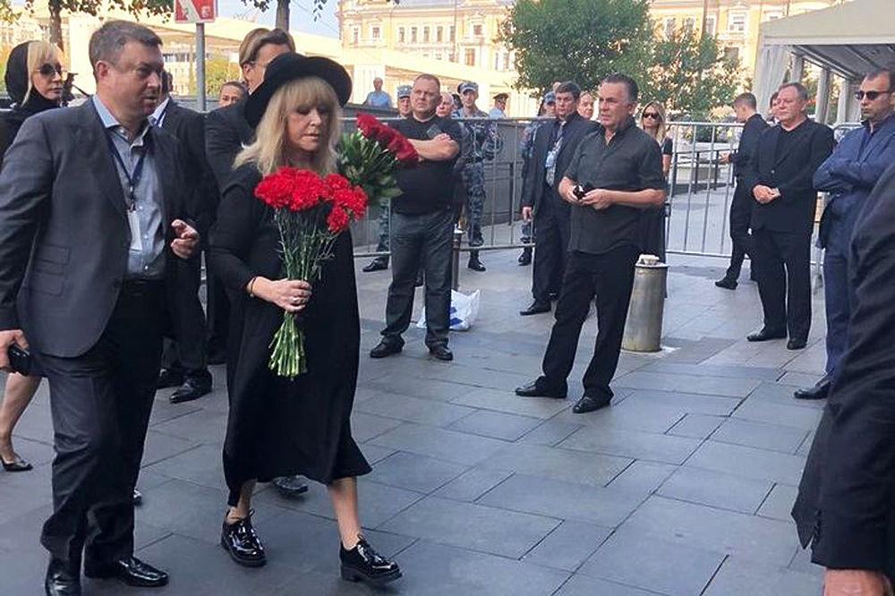 Пугачева, Лолита, Петросян на прощании с Кобзоном: печальные кадры