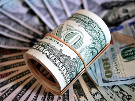 Экономисты посоветовали перевести рубли в евро, а не доллар