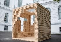 Около ТГУ появился деревянный «гиперкуб»