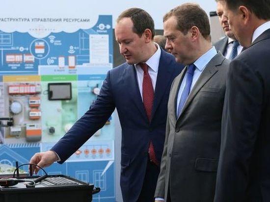 Ливинский на примере показал Медведеву эффекты от внедрения цифровых сетей