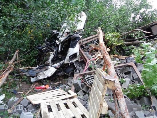 В Чувашии груженная Scania опрокинулась в кювет из-за лопнувшего колеса