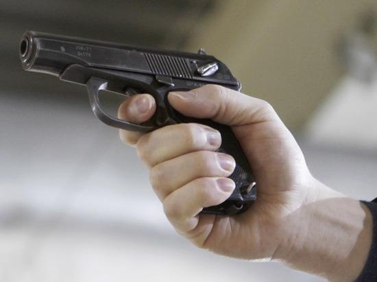 В Петербурге охраннику пришлось застрелить грабителя