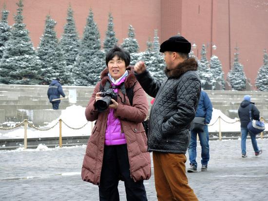 МВД поручит россиянам следить за иностранцами