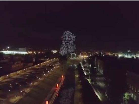 Скопление дронов над Тульской набережной оказалось частью «толстовского перформанса»