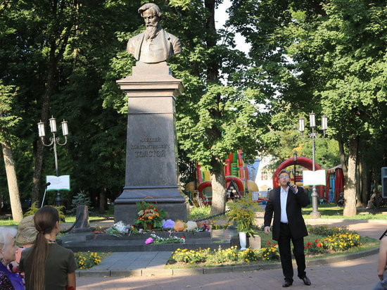 5 сентября в Брянске вспоминали величайшего русского поэта – Алексея Константиновича Толстого
