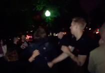 Массовая драка на Болотной площади началась из-за бутылки воды