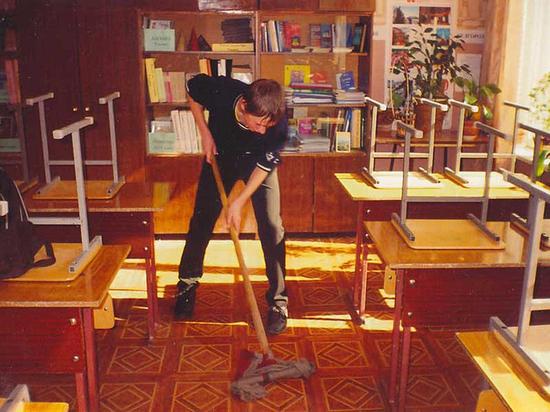 Проблемы школьных уборщиц взволновали родителей