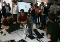 Более двух тысяч учащихся тюменских школ обучат основам программирования