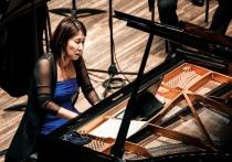 Известная пианистка похвасталась рулонным роялем