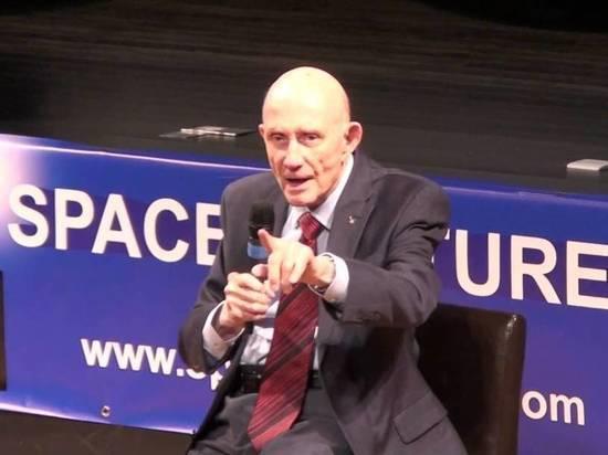 Астронавт Стаффорд: мы должны слетать на Луну с русскими