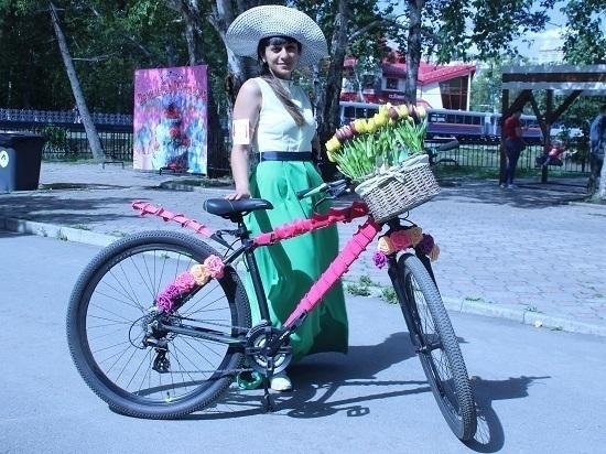 В Южно-Сахалинске прошел велопарад «Леди на велосипеде»