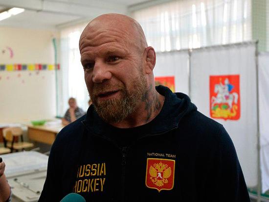 Депутат-боец Монсон оказался в эпицентре скандала: риторические вопросы из Госдумы