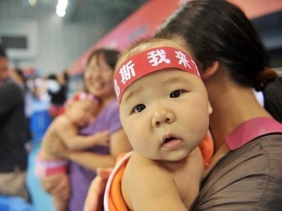 В век цифровых технологий ребенок в Китае стал недопустимой роскошью