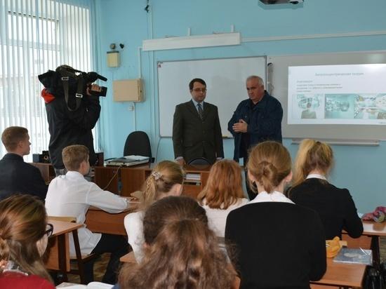 Губернатор Костромской области Сергей Ситников предлагает строить пришкольные интернаты на селе