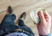 Банковский ад: что делать россиянам, если США запретят долларовые операции