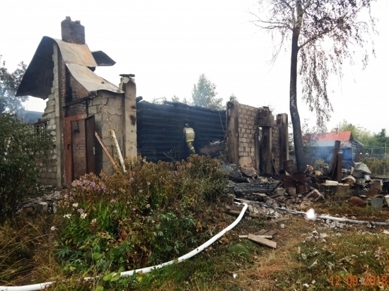 В Чувашии из-за неосторожной готовки сгорел жилой дом