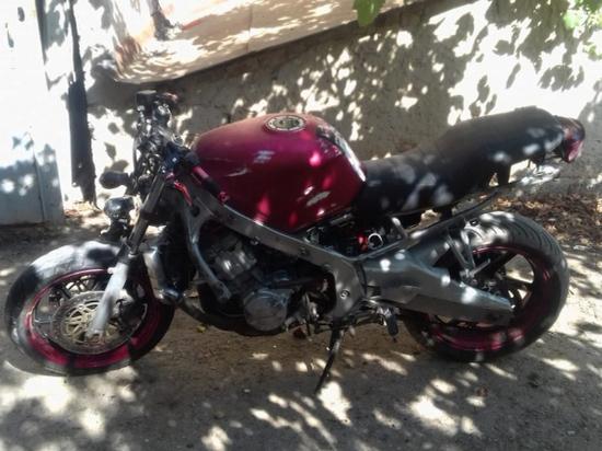 17-летний житель Астраханской области серьёзно пострадал в результате падения с мотоцикла